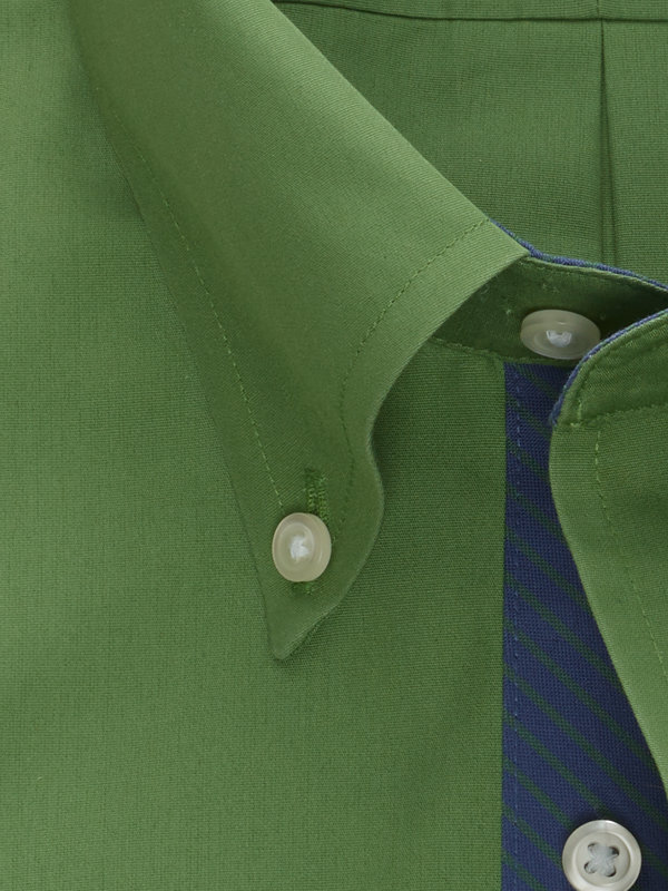 Tailored Fit Non-Iron Cotton Broadcloth Solid Dress Shirt with Contrast Trim