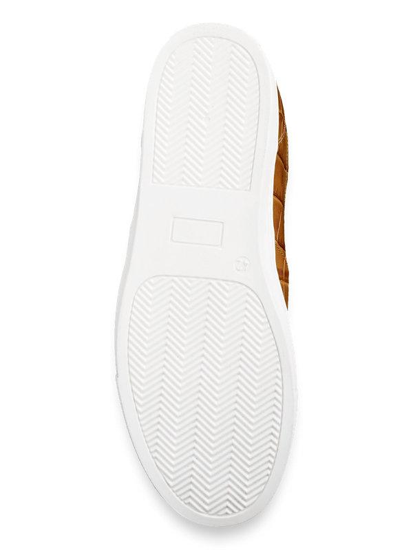 Clarke Sneaker
